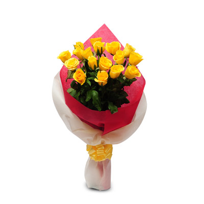 15 Yellow Rose packed with colour paper