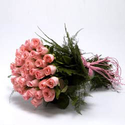 30 Pink Roses bunch with ribbon